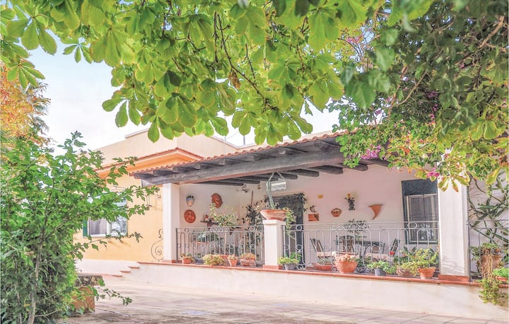 Holiday cottage with 3 bedrooms on 100m² in Pietraperzia