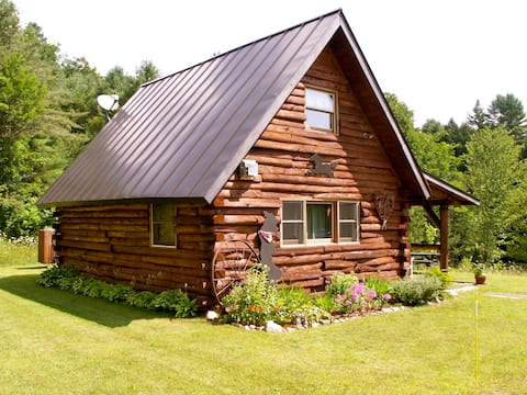 """""""West"""" cabin at Vermont Twin Cabins"""