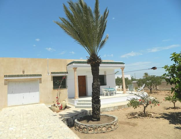 Fantastic summer villa with insulaire flair