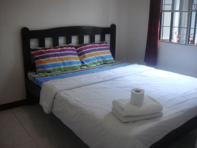 Gomoko Apartment [Garden * Kitchen* 1Bed] C1