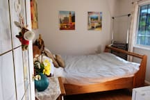 Convenient and Comfy - EverMay Guest Room2