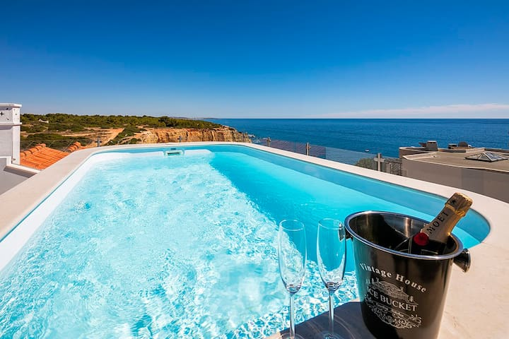 Penthouse with plunge pool overlooking beach! - Carvoeiro - Huoneisto