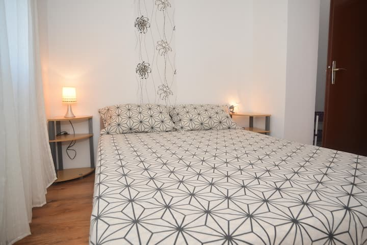 Barić-One Bedroom Apt with Balcony 1