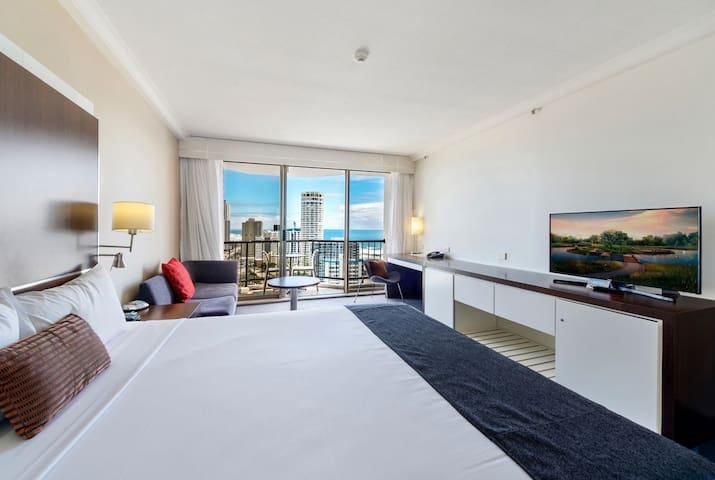 Ocean View King Studio - Surfers Paradise