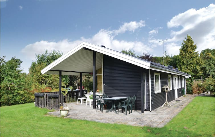 Holiday cottage with 2 bedrooms on 60 m² in Græsted