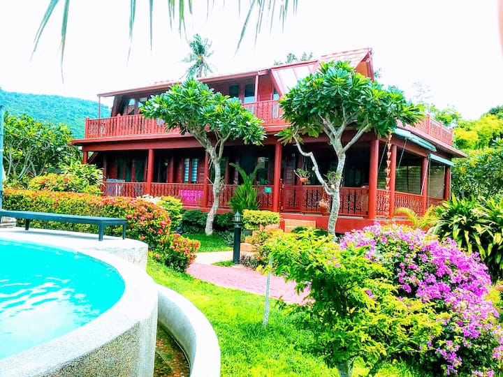 30 days +, Villa on the beach, 3 Bdr 2 bath 4 pers