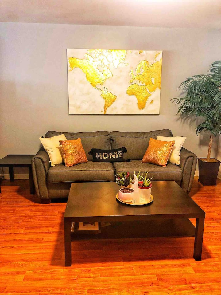 Shared Plaza Midwood Townhome near Uptown and UNCC