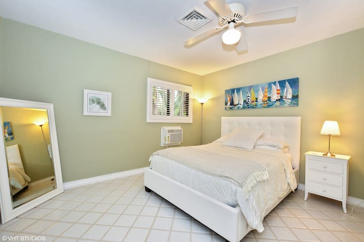 The Resort:Enormous Private Pool, mins from beach - Oakland Park - House