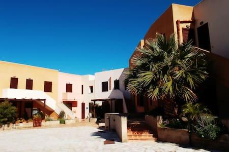 Casa Vacanza di  Anna e Selene_ Favignana