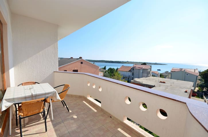 One bedroom Apartment, seaside in Novalja - island Pag, Balcony