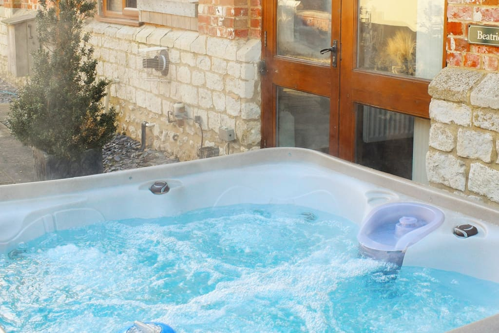Beatrice House Private Hot Tub