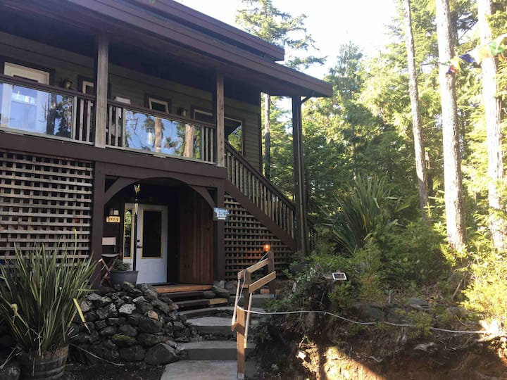 Forest Sweet Retreat; Private Hot Tub & Wood Sauna