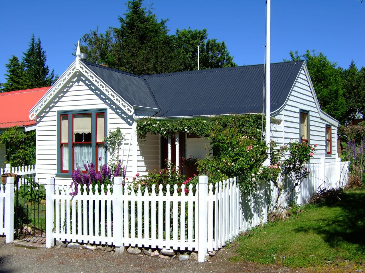 Historic naseby cottage