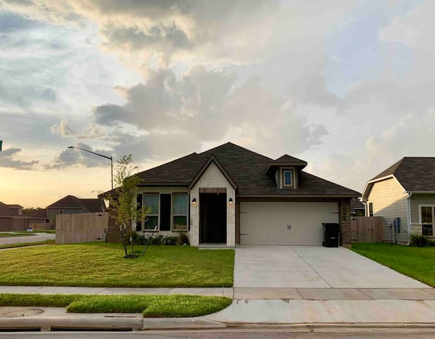 New and spacious home only 4 miles from Kyle Field