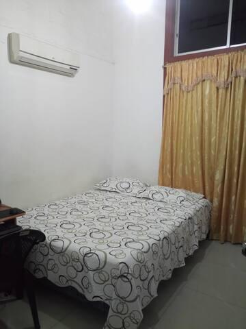 Habitación privada y comoda en Manta-Ecuador.