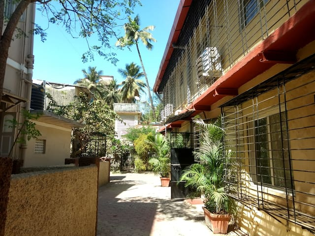 Cozy Cottage in Andheri West - Mumbai - Hus
