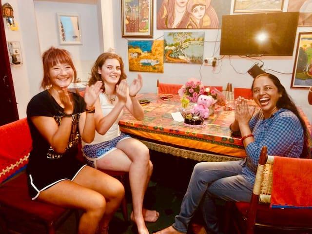 Enjoy! Home + Cultural Experience with Hari Pari-3