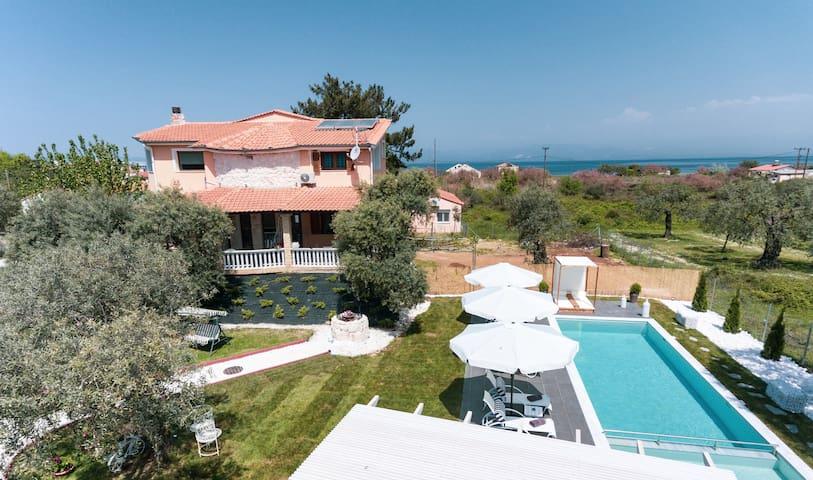 Fokas Villa luxury residence