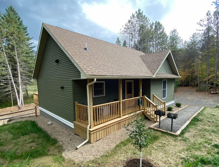 Hot Tub, Lake Everest, Dog-Friendly, Game Rm, 1.9 miles to Whiteface: BBC