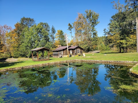 Historic Log Cabin with 8 Ponds, Creek,  & Horses!