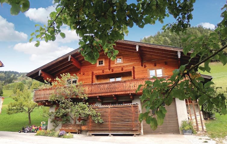 Holiday cottage with 3 bedrooms on 100 m² in Wagrain