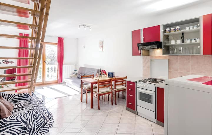 Beautiful home in Vodnjan with WiFi and 2 Bedrooms