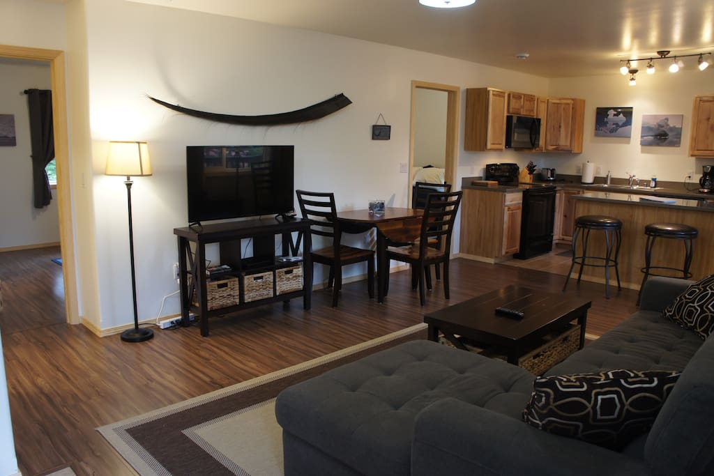 Walk into your beautiful and spacious 2 bedroom 1 bathroom Mt. View Suite!