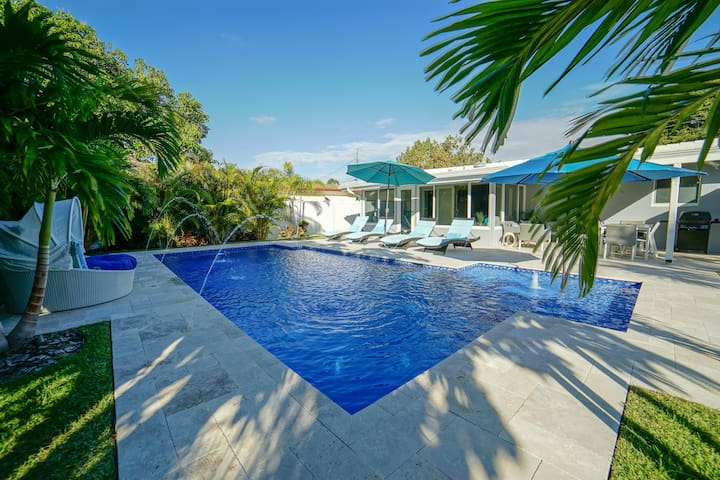Tropical Oasis with Heated Salt Water Pool.