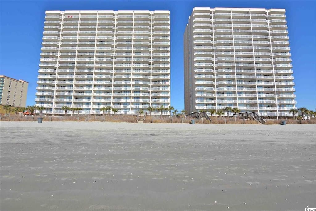 The Crescent Shores towers (North Tower on right)