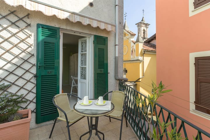 Private room with balcony in Bosio (AL )