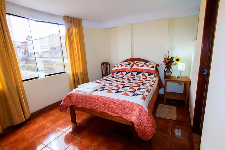 Comfortable private room near downtown Cusco