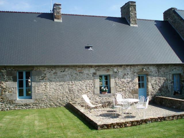 Jolie maison entre mer et campagne - Blainville-sur-Mer - House