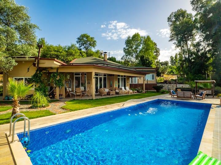 Villa Candan Gökova - Müstakil Havuz ve Bahçe