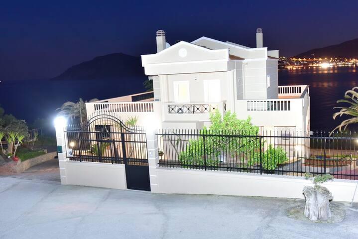 ΒΙΛΛΑ ΣΤΟ ΠΑΛΙΟ ΚΑΒΑΛΑΣ - Kavala - House