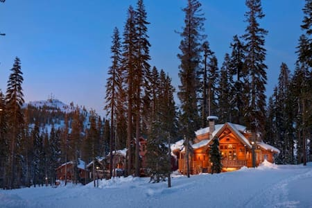 Sugar Bowl Slope side Ski Chalet - Truckee - Hus