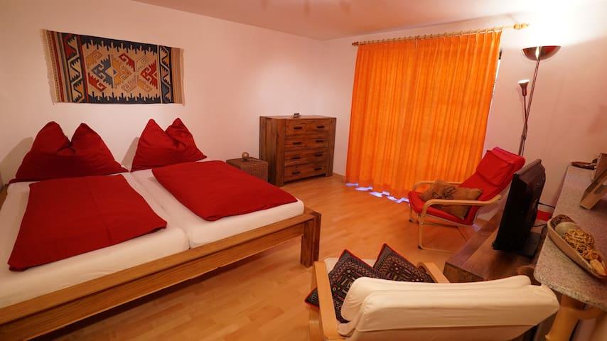 Schlafzimmer 2 (optional als Wohnzimmer)