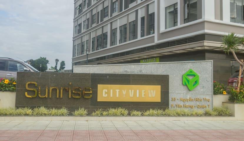 Иaomi's Queen 1BR @Sunrise CityView D7 HCMC