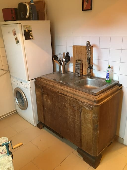 kitchen with washingmachine