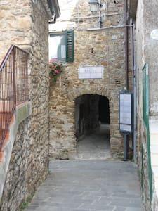 Casetta in borgo antico nel cuore del Cilento