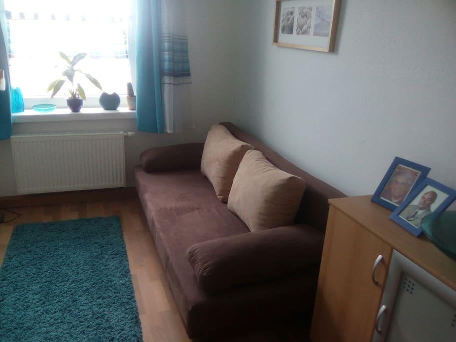 gem tliche helle wohnung mit balkon wohnungen zur miete in leipzig sachsen deutschland. Black Bedroom Furniture Sets. Home Design Ideas