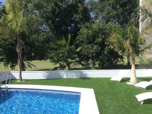 The Golf Villa in Alicante beach   ( private pool)