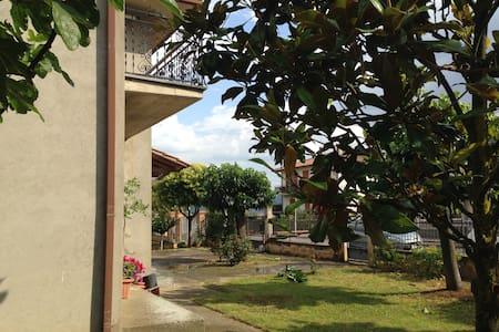 House with view Lake Trasimeno - Sanfatucchio - Haus