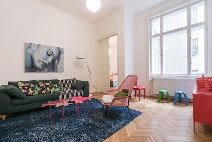 Huge flat in the old historical city centre Vienna