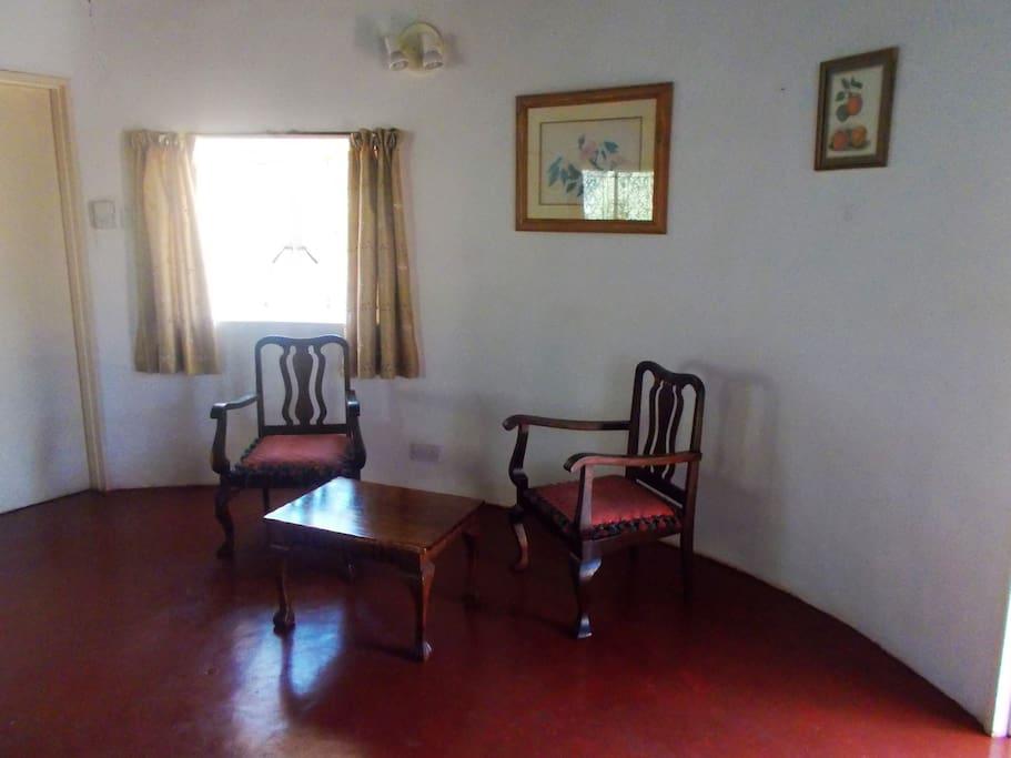 Main bedroom (right)
