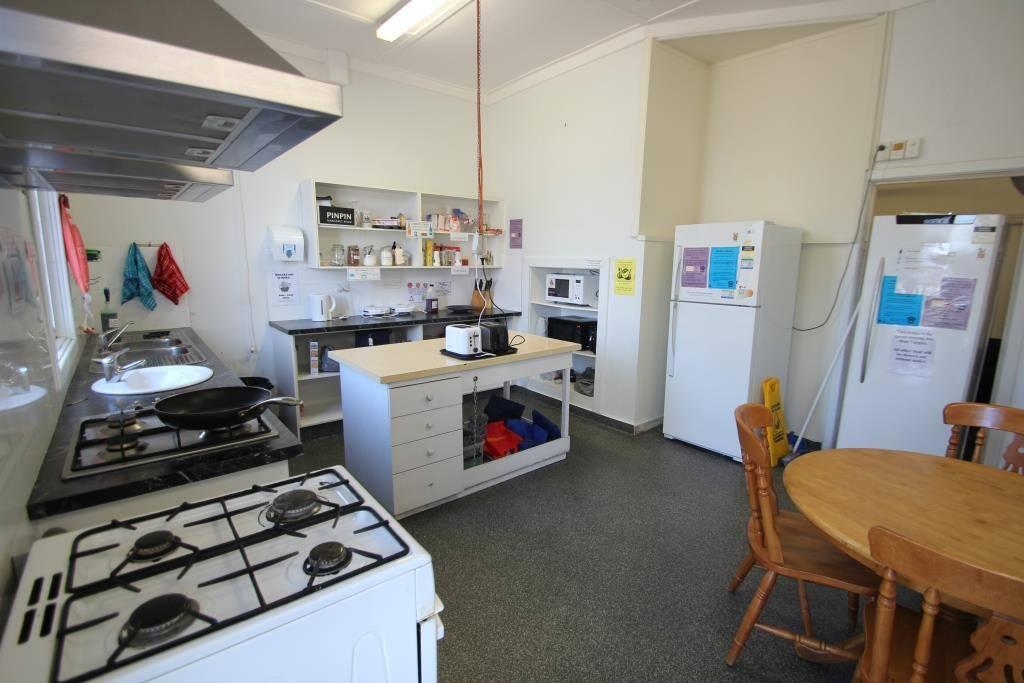 Dolphin Retreat Bunbury YHA Kitchen