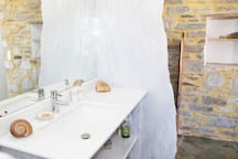 Paros marble sinks, shower