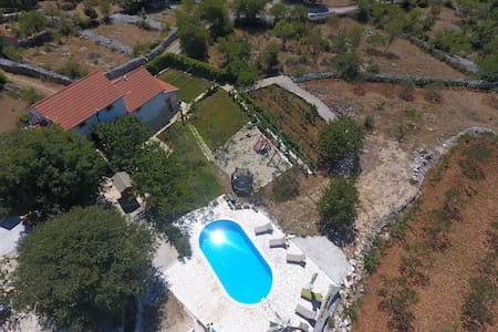 Heritage Villa HEAVEN for 14, n.Trogir,heated pool