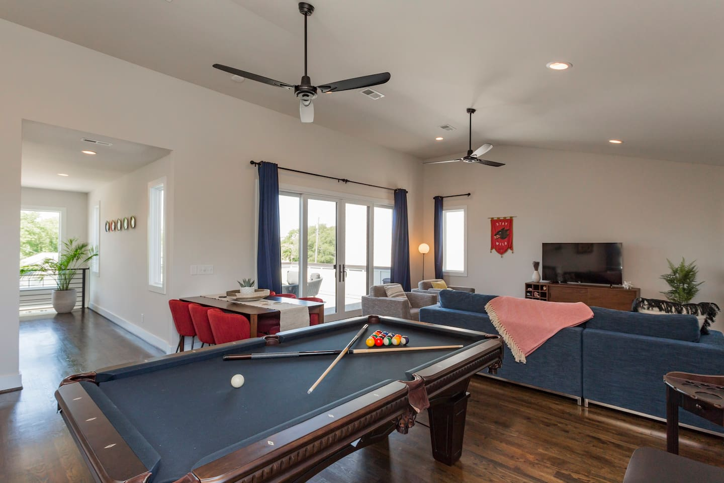 Huge Downtown Luxury Home W Pool Table Rooftop Houses For Rent - Huge pool table