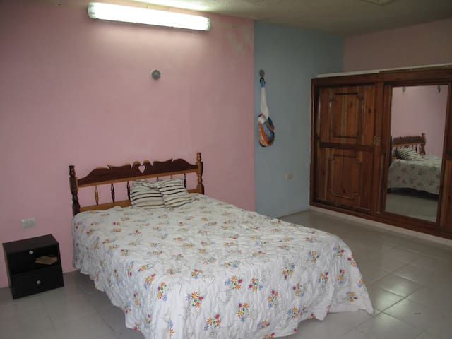 III. 1BD/1BA, Pool, Kitchen Access, Beach 40m - Progreso - Rumah