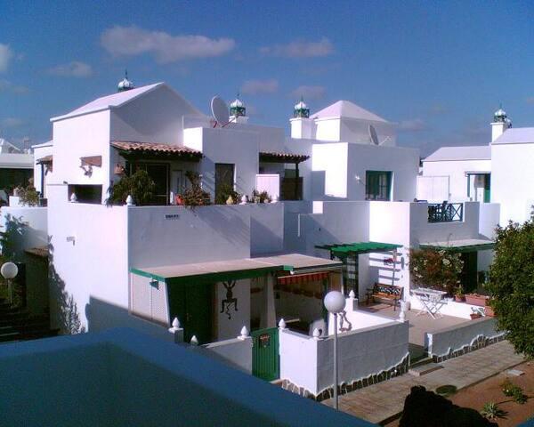 Apartment mit 2 SZ oben - Marcastell -